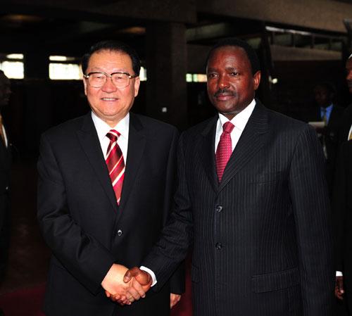 李长春会见肯尼亚副总统穆西约卡--中国国情手册